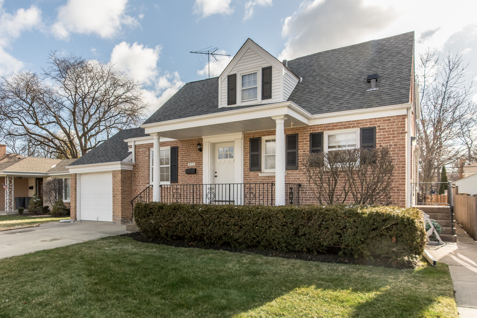 833 Florence Drive, Park Ridge in Cook County, IL 60068 Home for Sale