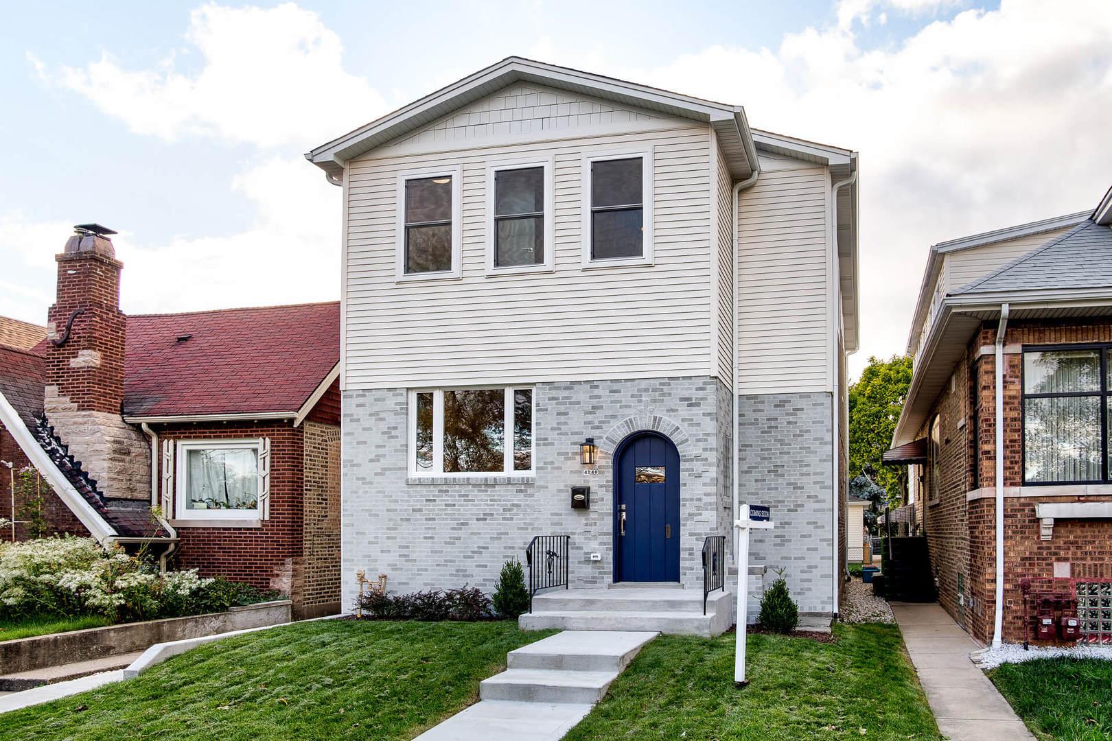 4240 North Menard Avenue Chicago, IL 60634