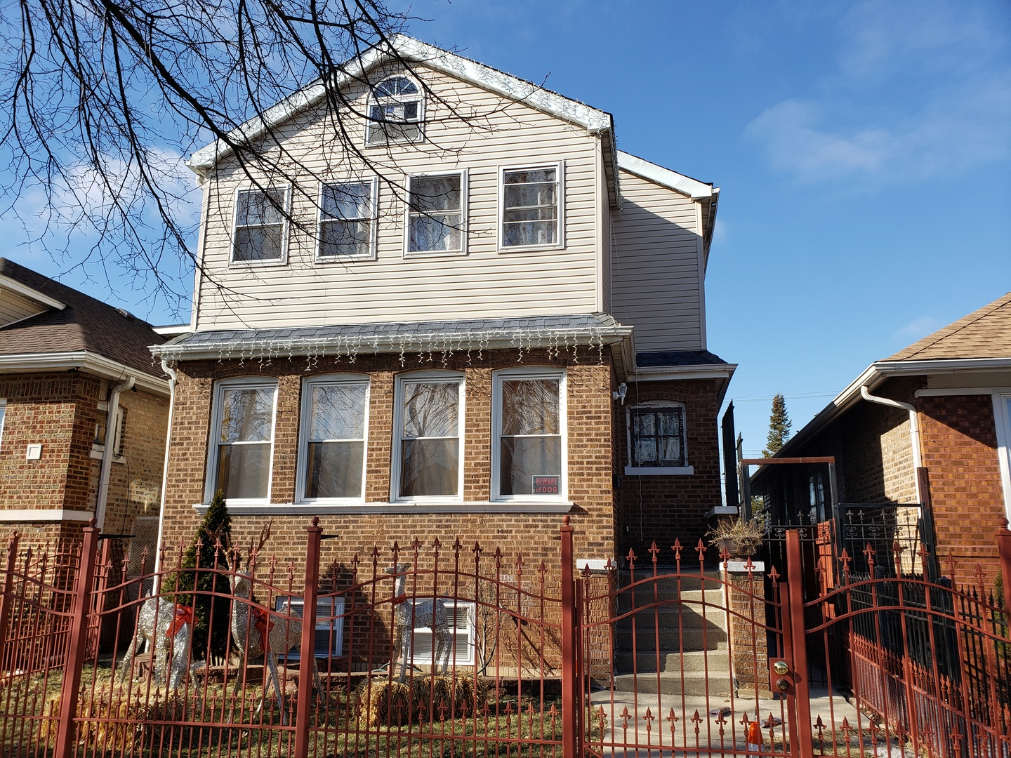 5710 South Troy Street Chicago, IL 60629