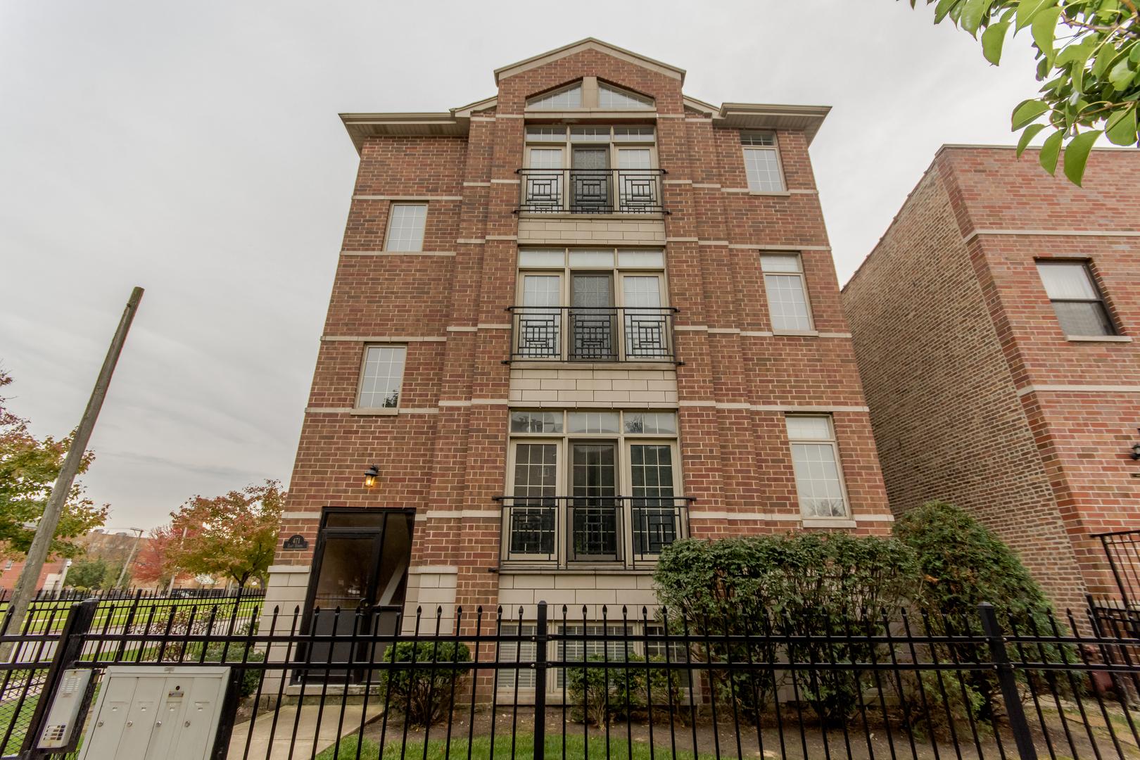 471 East Bowen Avenue Chicago, IL 60653