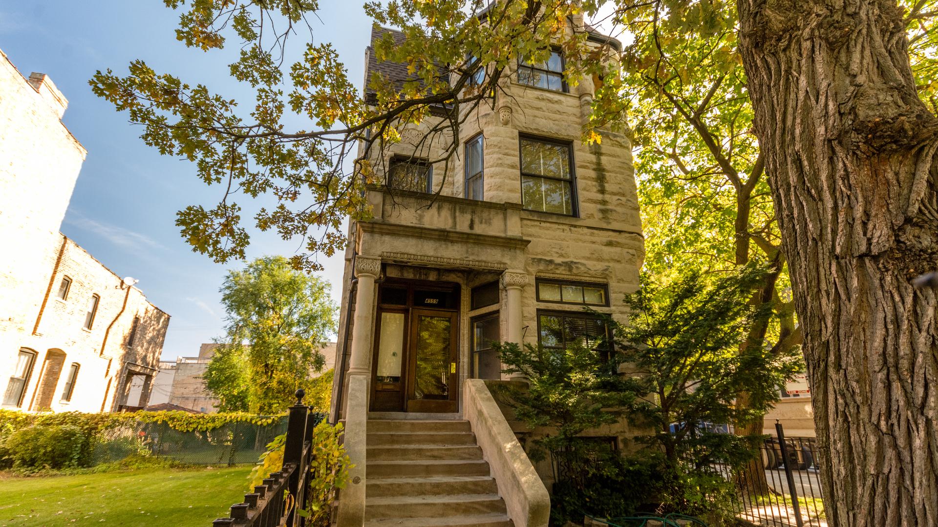 4559 South Ellis Avenue Chicago, IL 60653