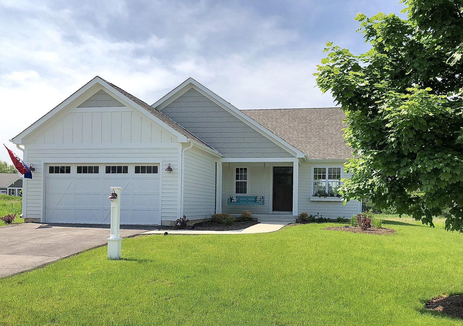 40487 North South Newport Drive, Antioch, Illinois