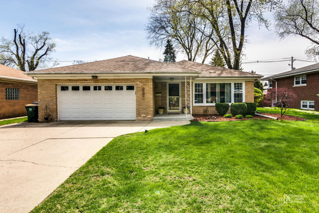 2307 Edna Avenue, Park Ridge in Cook County, IL 60068 Home for Sale