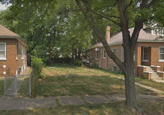 1426 West 105th Place, one of homes for sale in Beverly-Chicago