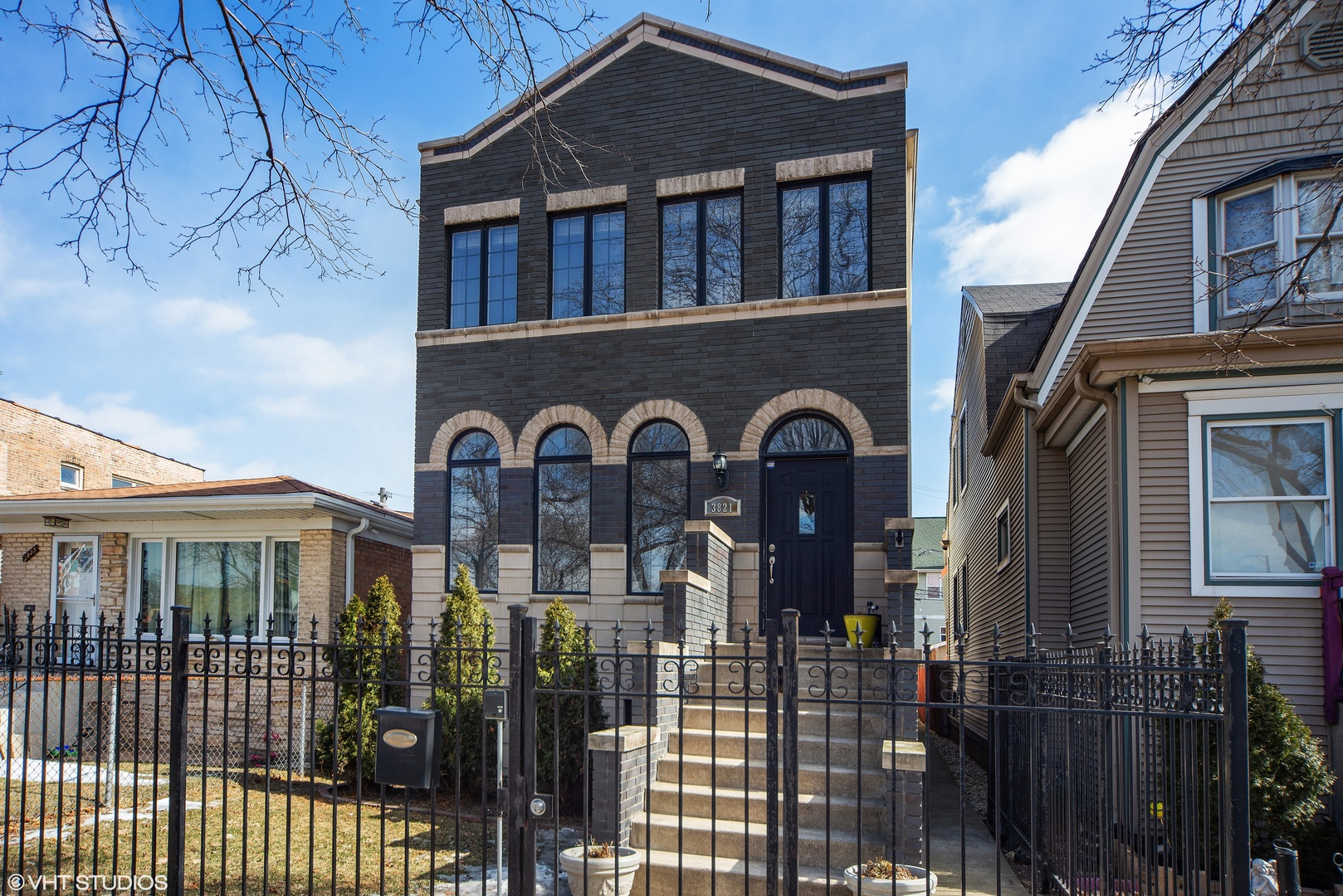 3821 North Kilpatrick Avenue Chicago, IL 60641