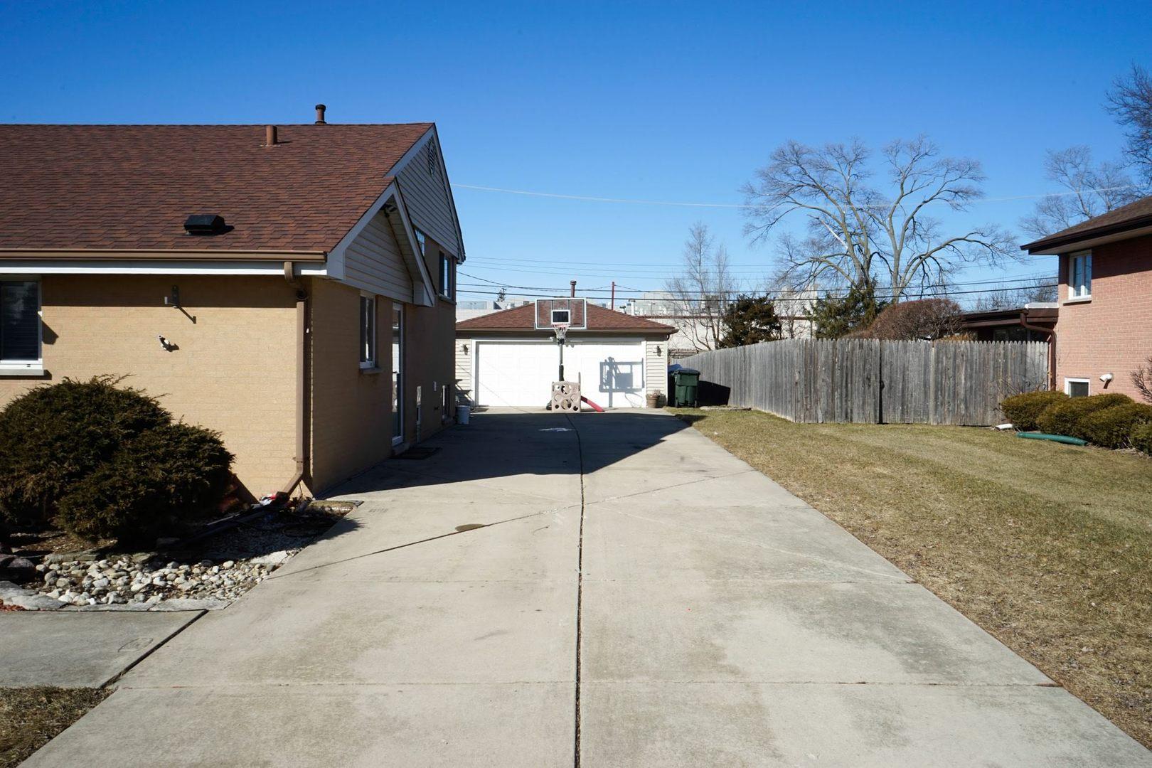 8506 West Carol Street - photo 2