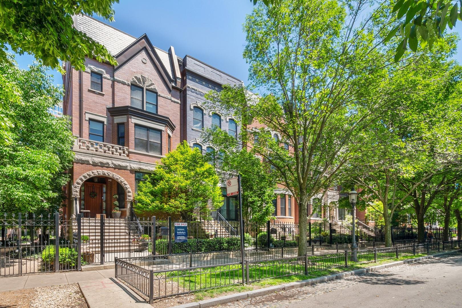 1829 South Prairie Avenue Chicago, IL 60616