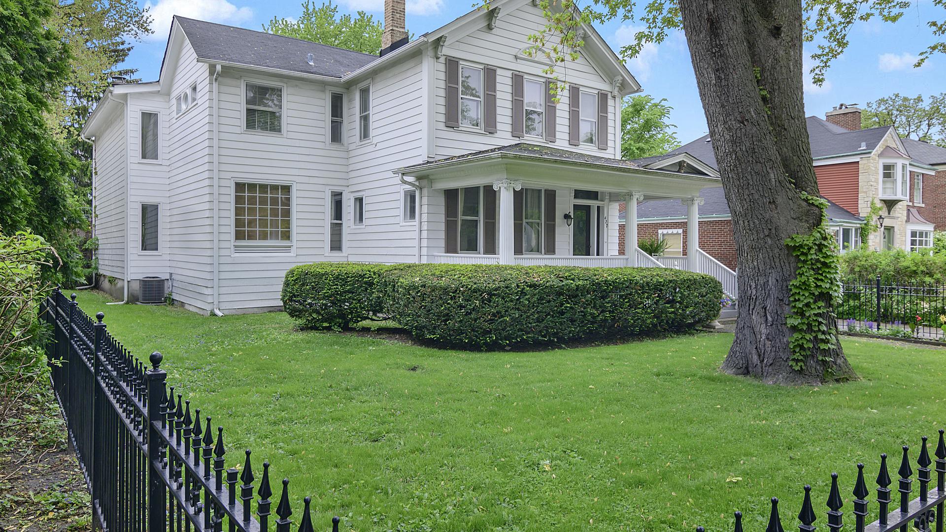 427 North Oak Park Avenue Oak Park, IL 60302
