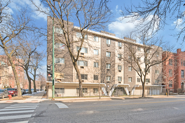1060 West Hollywood Avenue Chicago, IL 60621