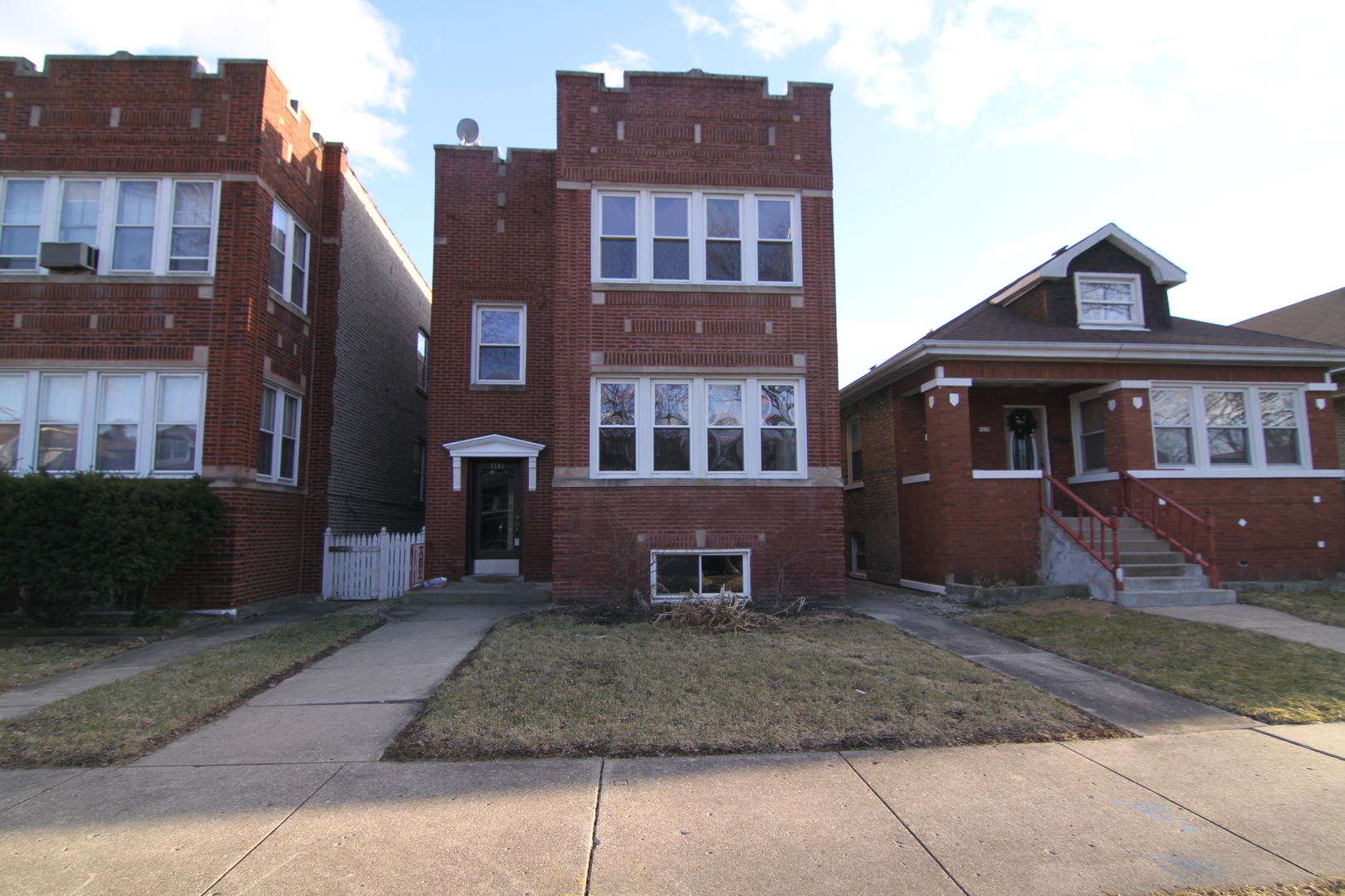 5141 West Oakdale Avenue Chicago, IL 60641