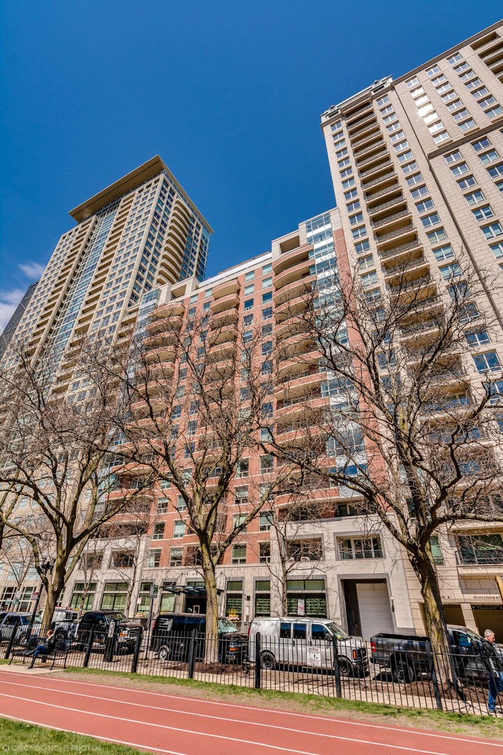 270 East Pearson Street Chicago, IL 60611
