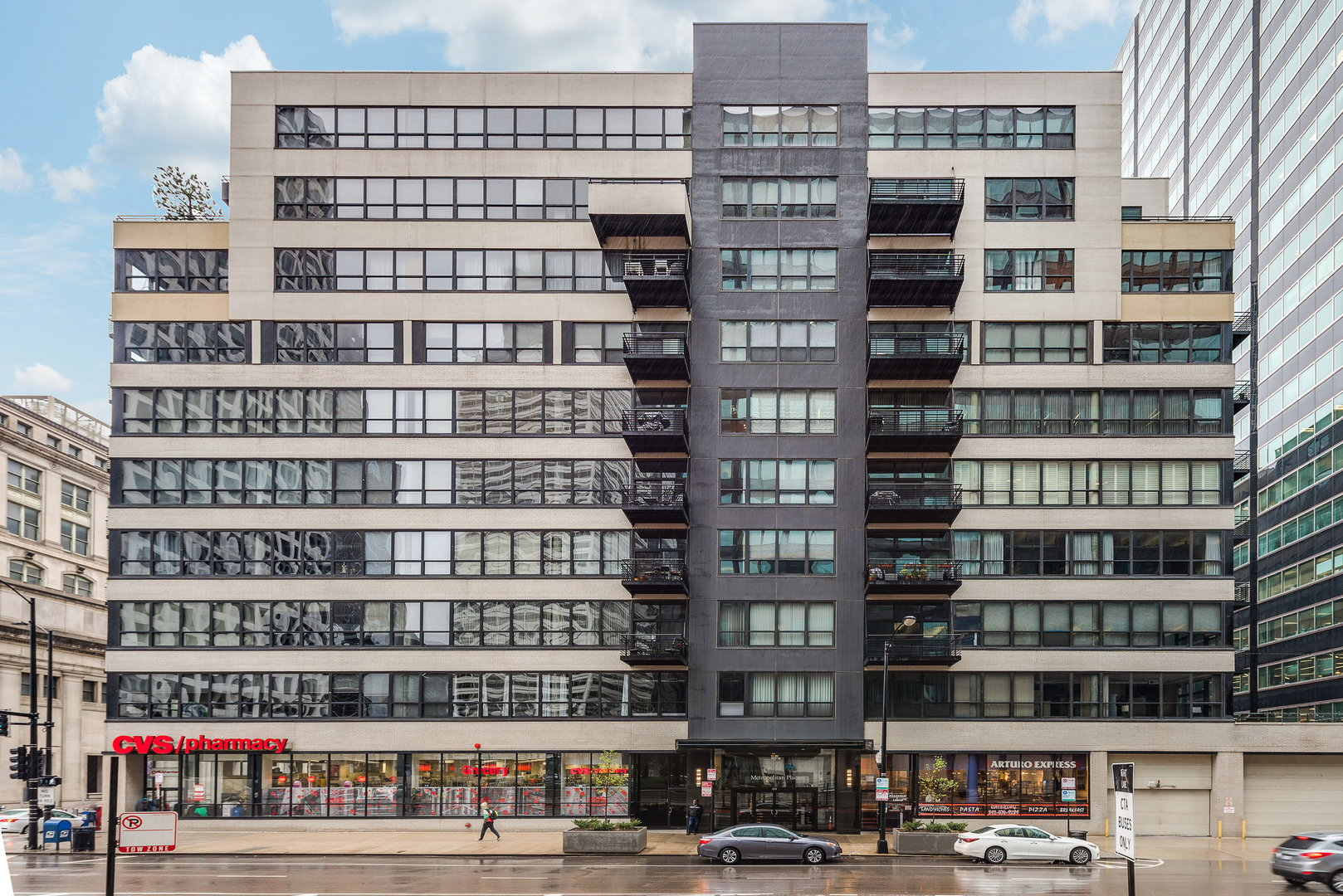 130 South Canal Street Chicago, IL 60606