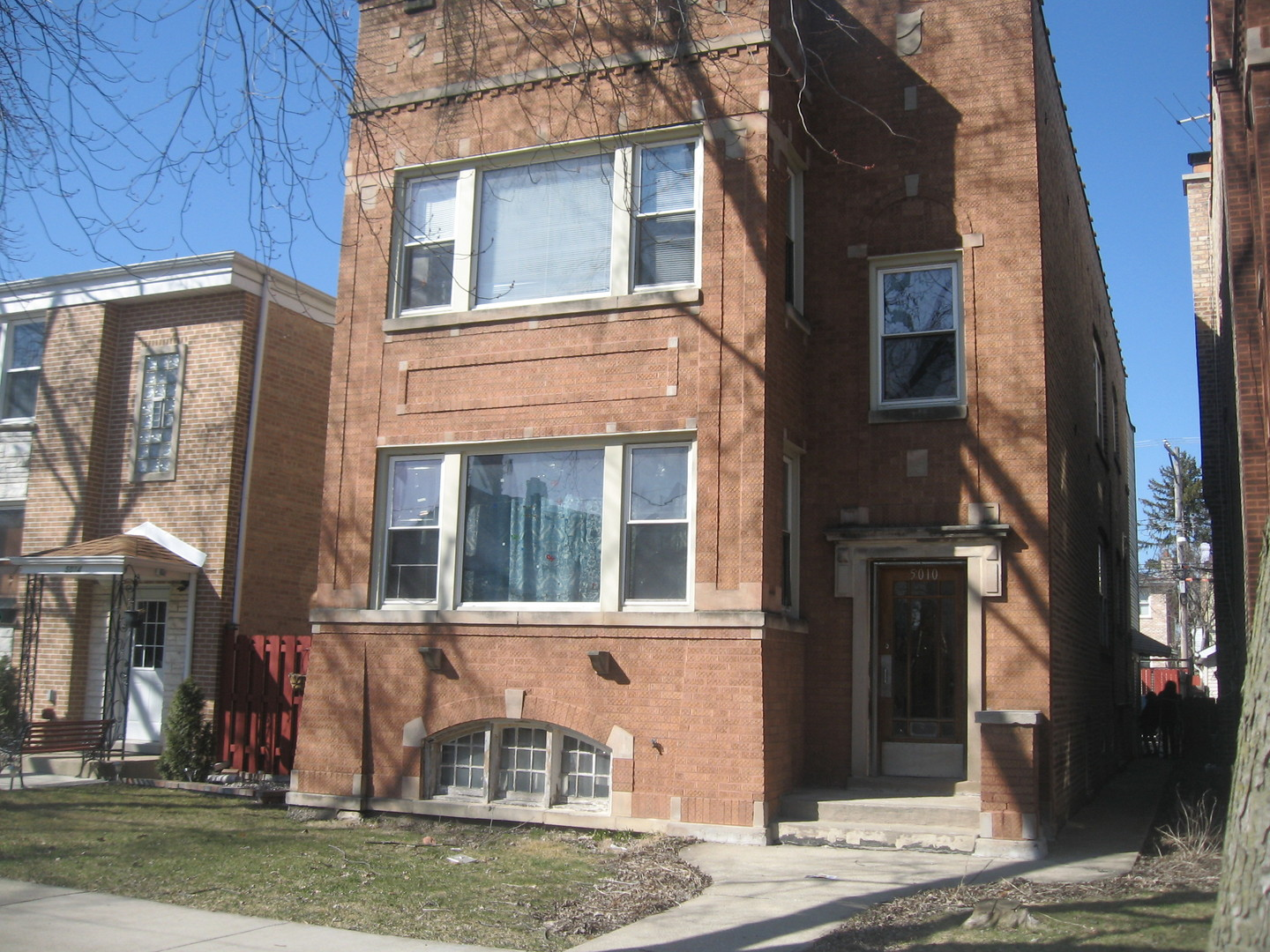 5010 West Henderson Street Chicago, IL 60641
