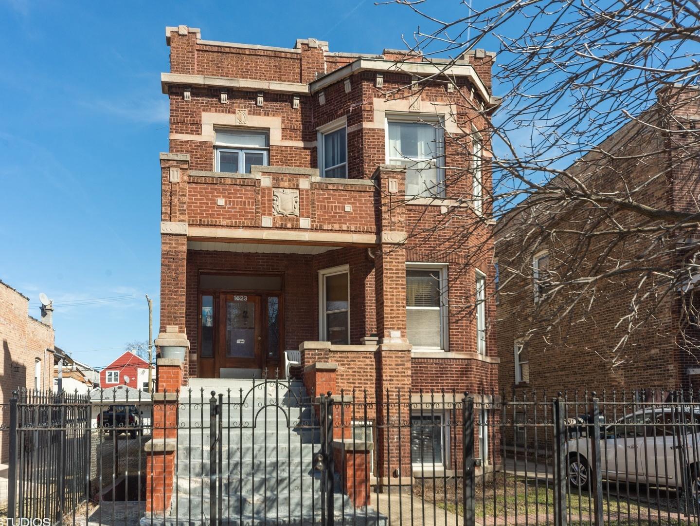 1623 North Tripp Avenue Chicago, IL 60651