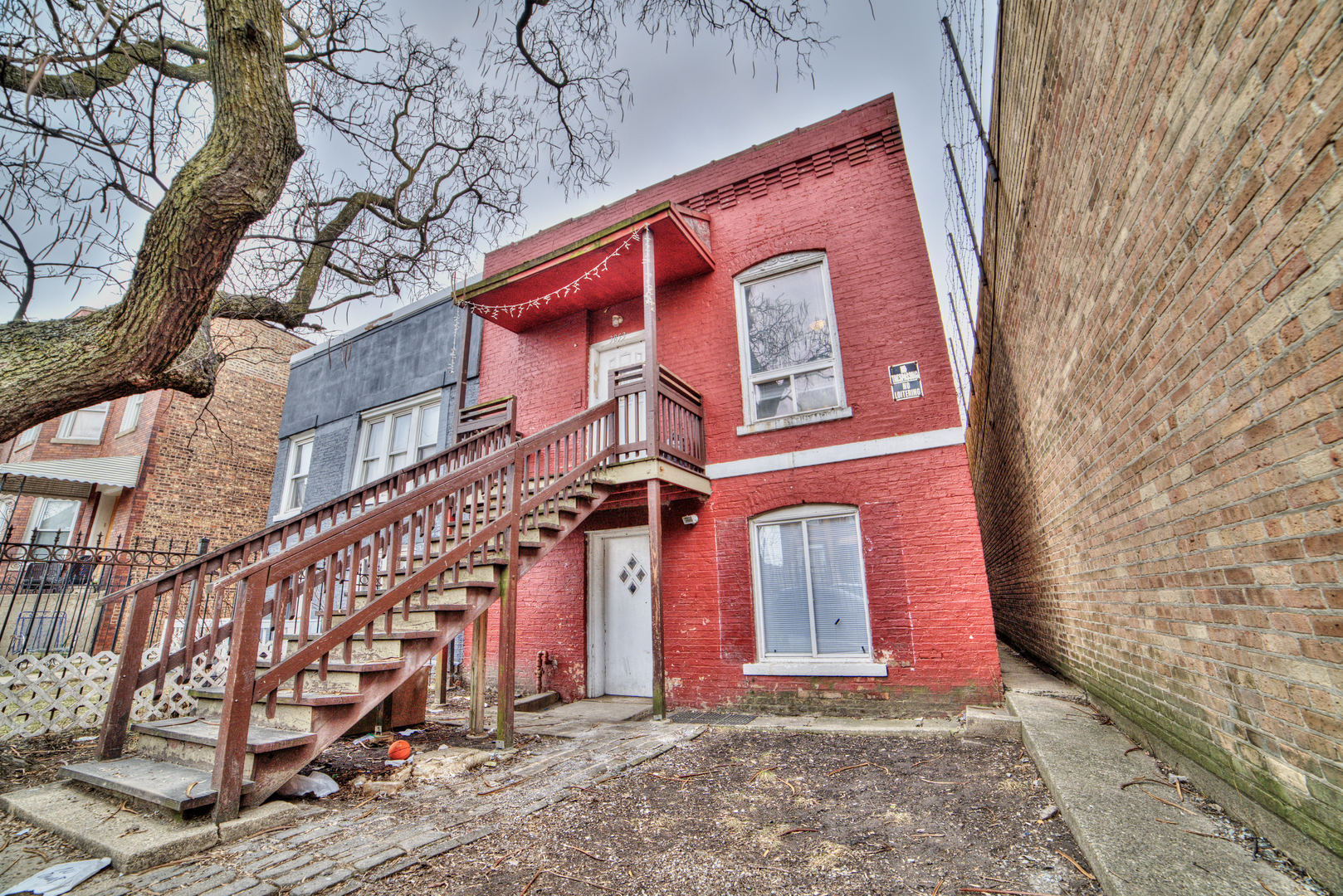 3853 West Division Street Chicago, IL 60651