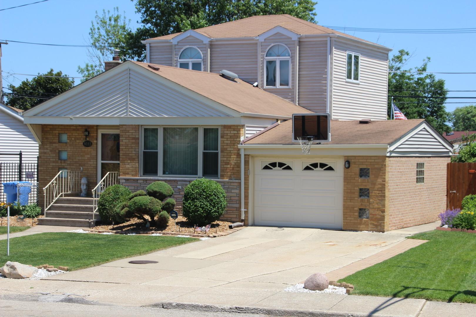 8033 South Tripp Avenue Chicago, IL 60652
