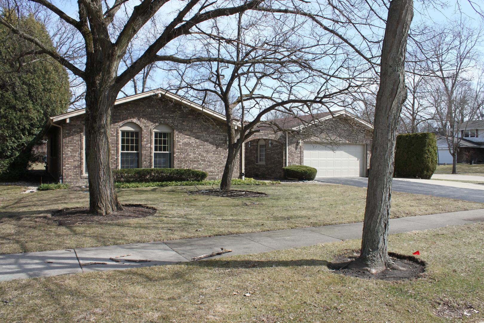 1045 Lampton Lane Deerfield, IL 60015