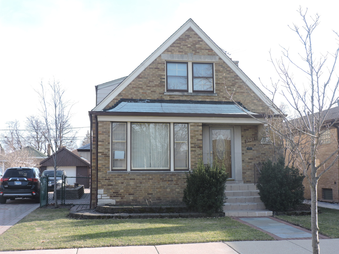3921 West 56th Street Chicago, IL 60629