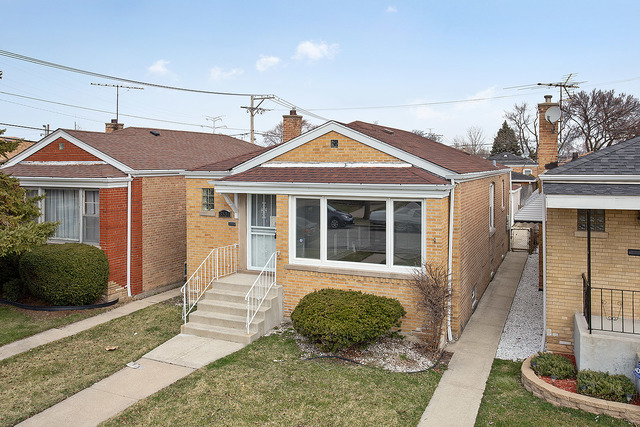 3534 West 77th Street Chicago, IL 60652