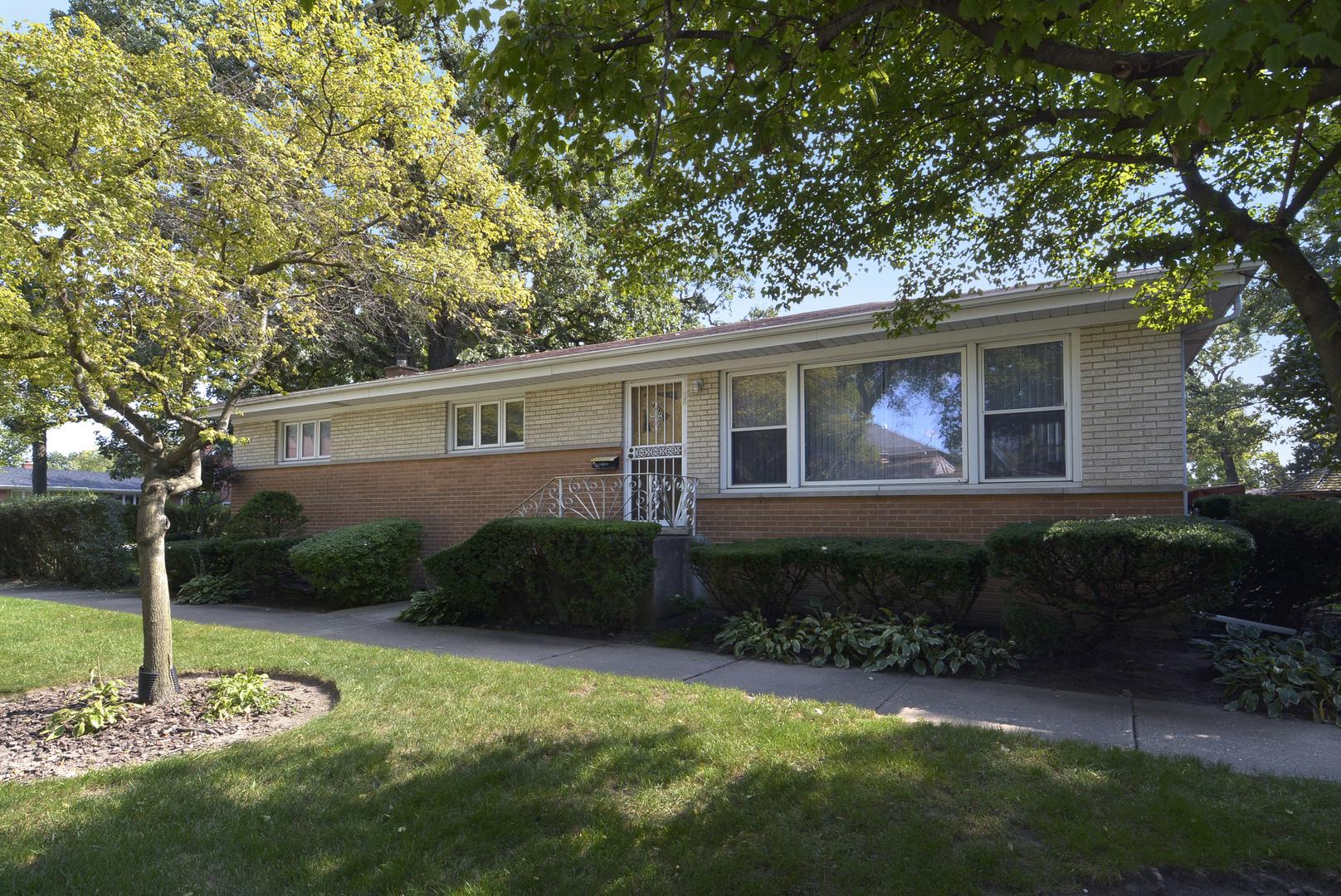 2701 Glenview Avenue, Park Ridge, Illinois