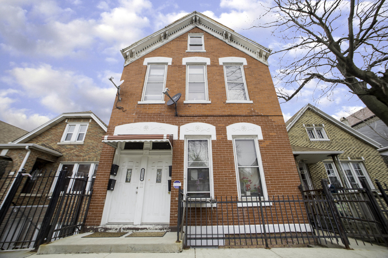 2120 West 23rd Place Chicago, IL 60608