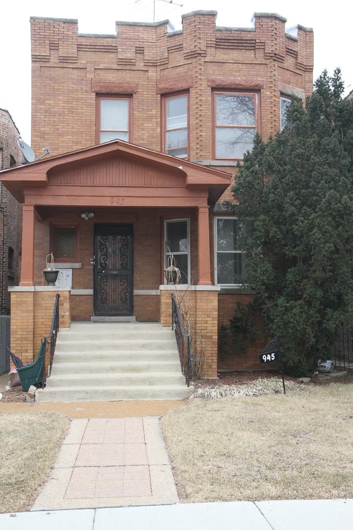 945 North Long Avenue Chicago, IL 60651