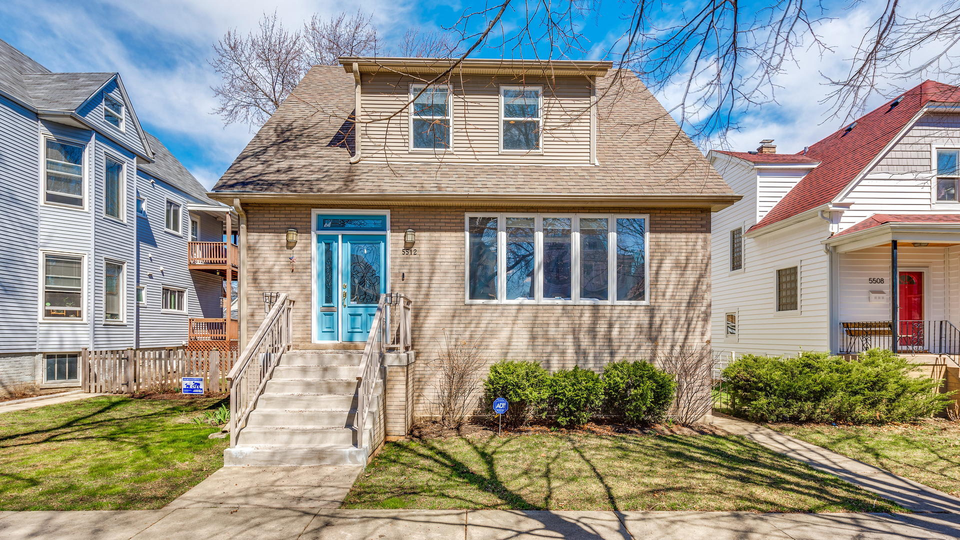 5512 West Leland Avenue Chicago, IL 60630
