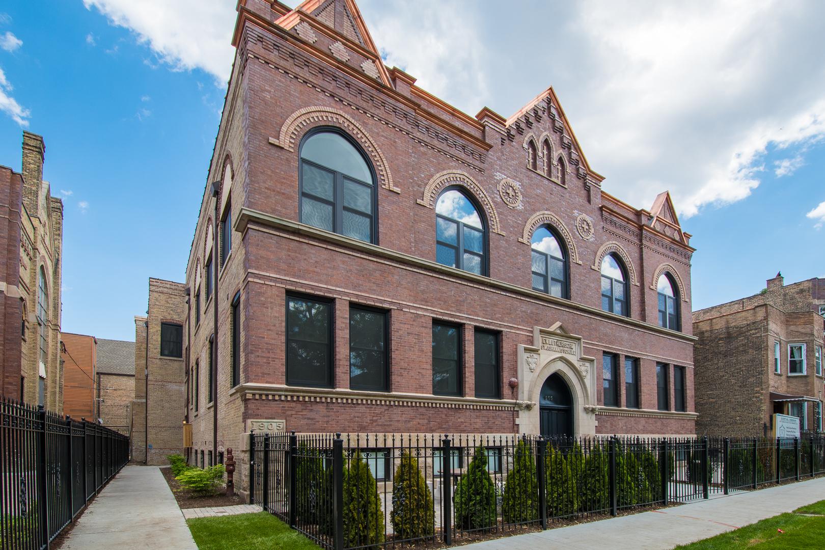 915 North Hoyne Avenue Chicago, IL 60622