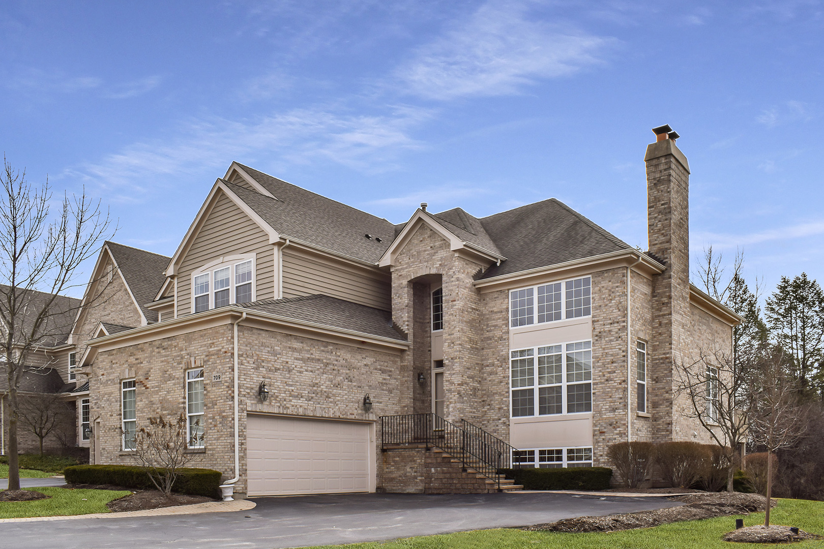 709 Stone Canyon Circle Inverness, IL 60010