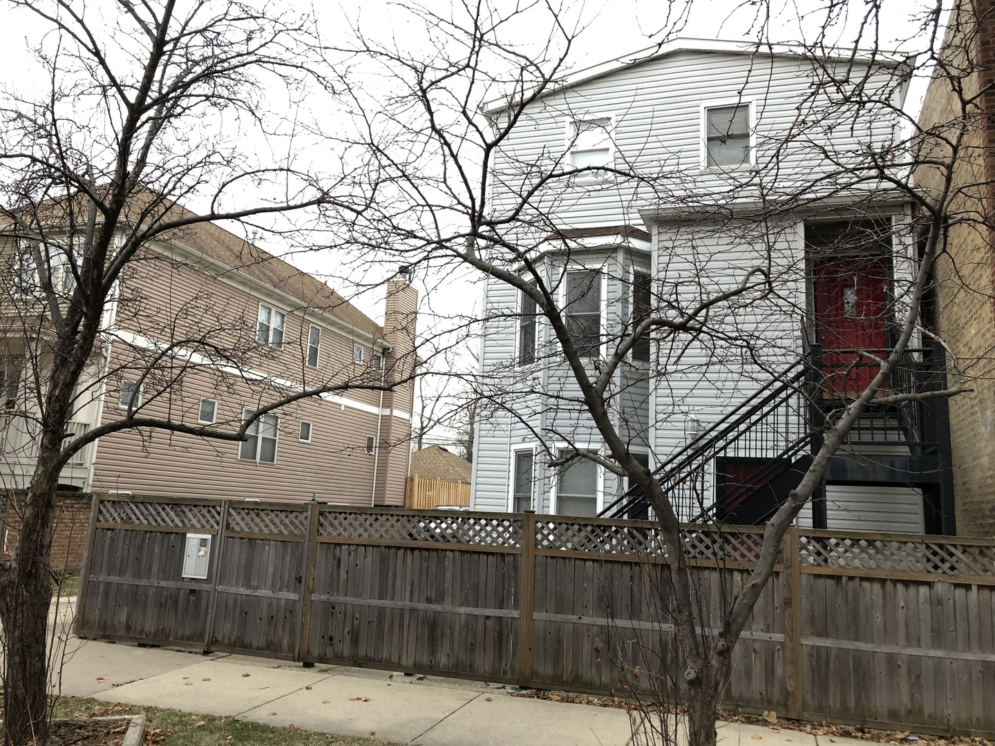 4042 North Kolmar Avenue Chicago, IL 60641