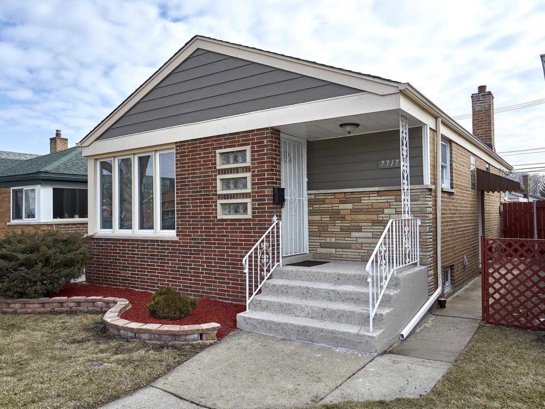7717 South Christiana Avenue Chicago, IL 60652