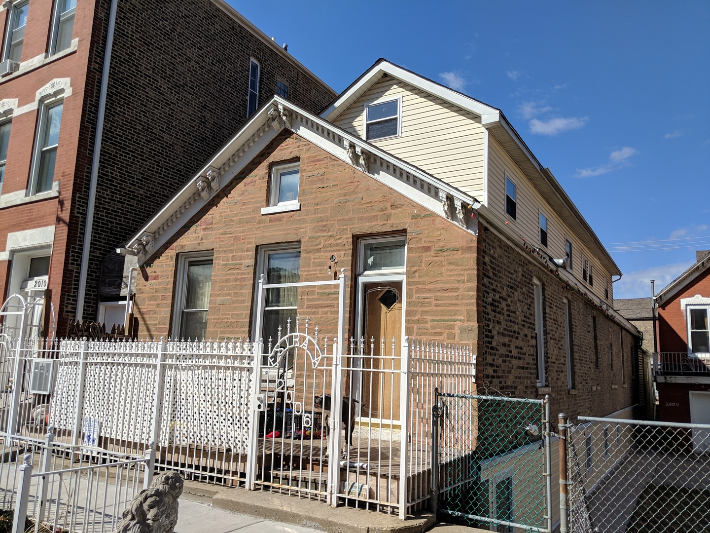 2006 South Throop Street Chicago, IL 60608