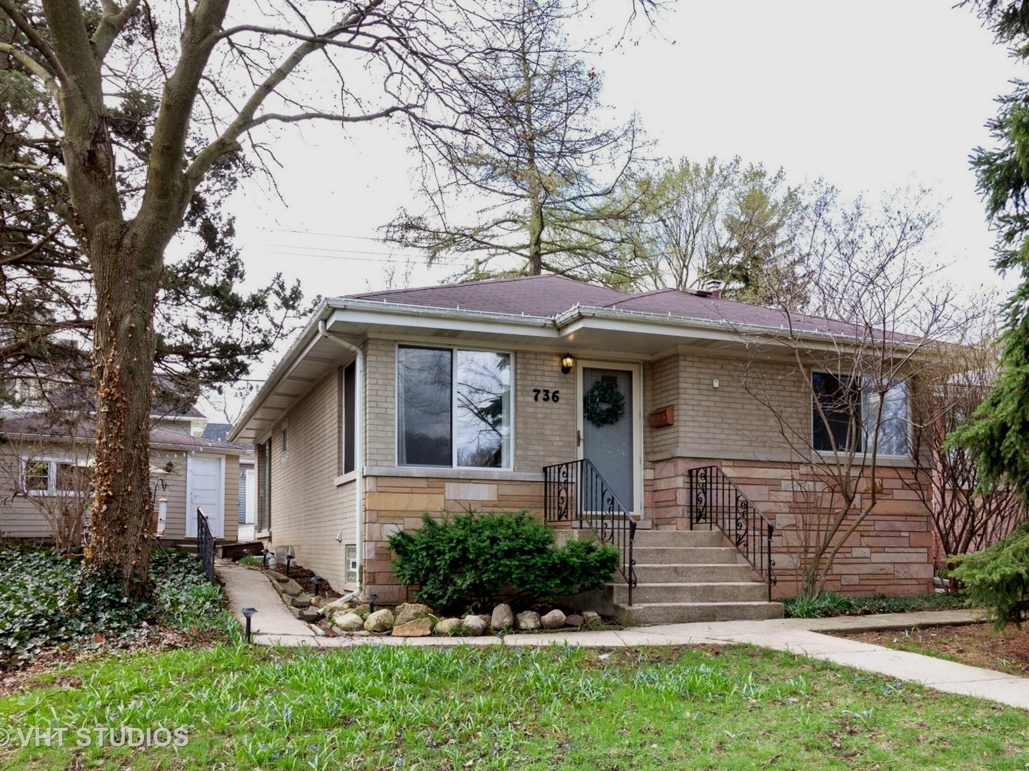 primary photo for 736 West Hinsdale Avenue, HINSDALE, IL 60521, US