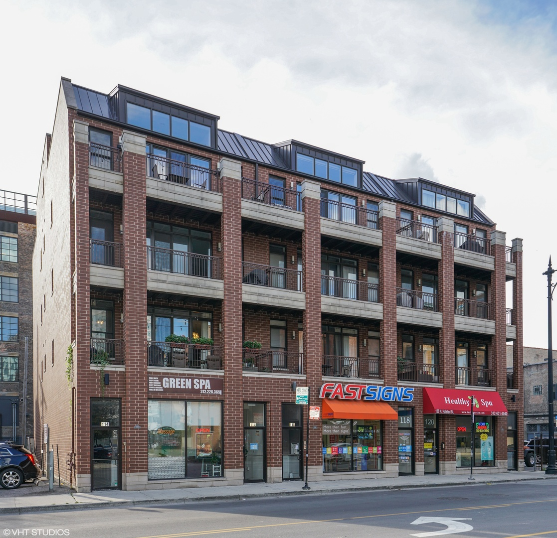114 North Halsted Street Chicago, IL 60661