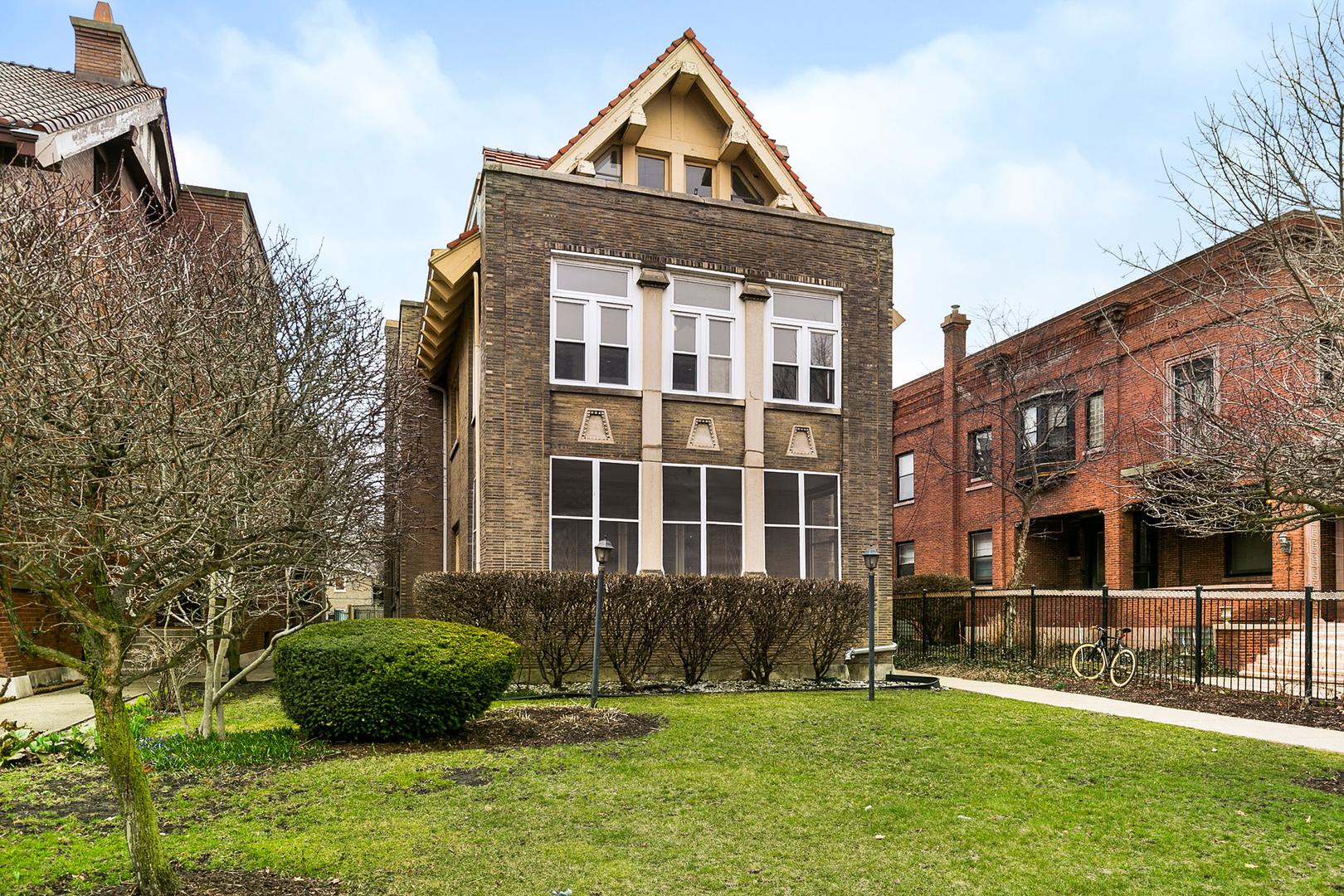5024 South Ellis Avenue Chicago, IL 60615