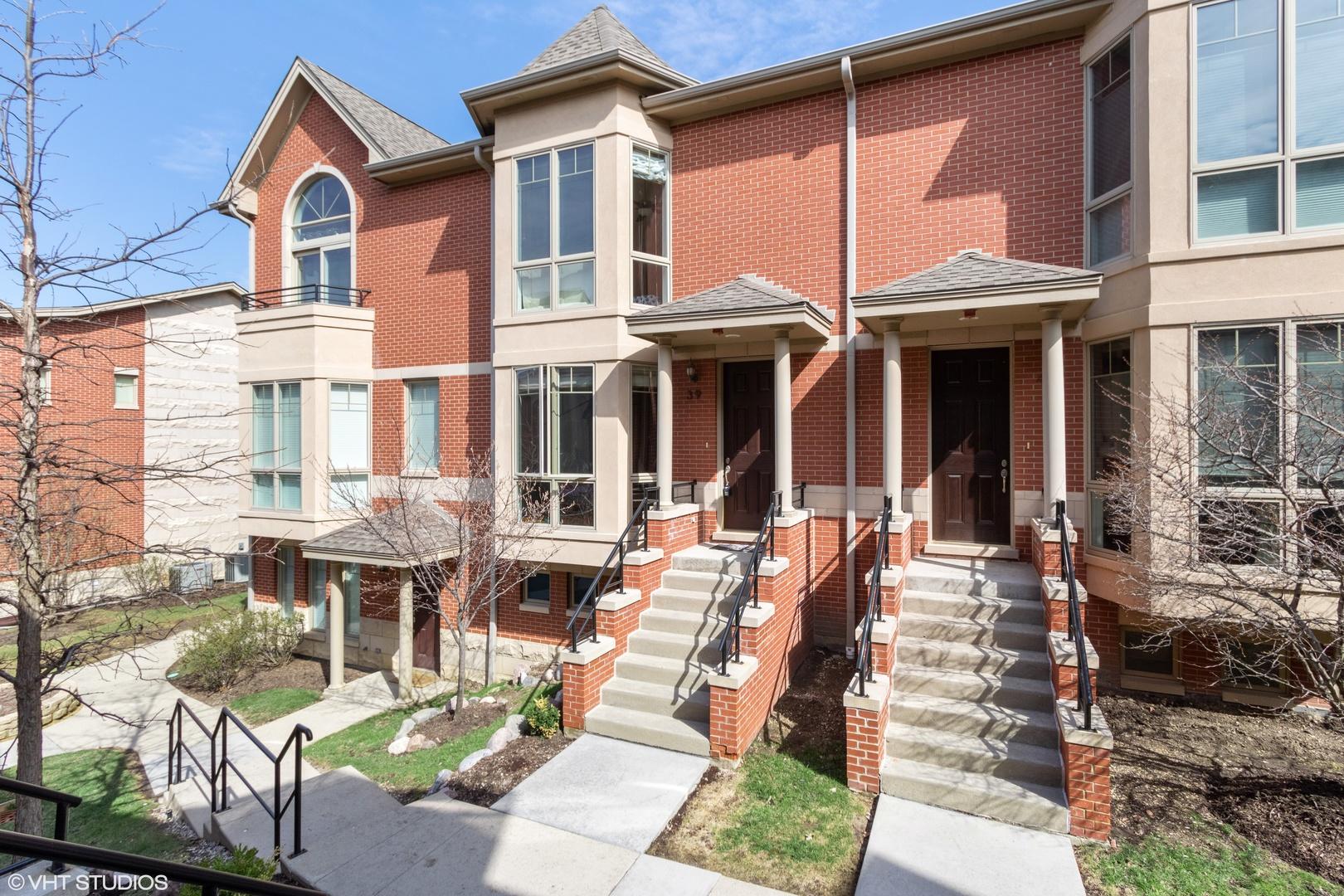 39 Northfield Terrace Wheeling, IL 60090