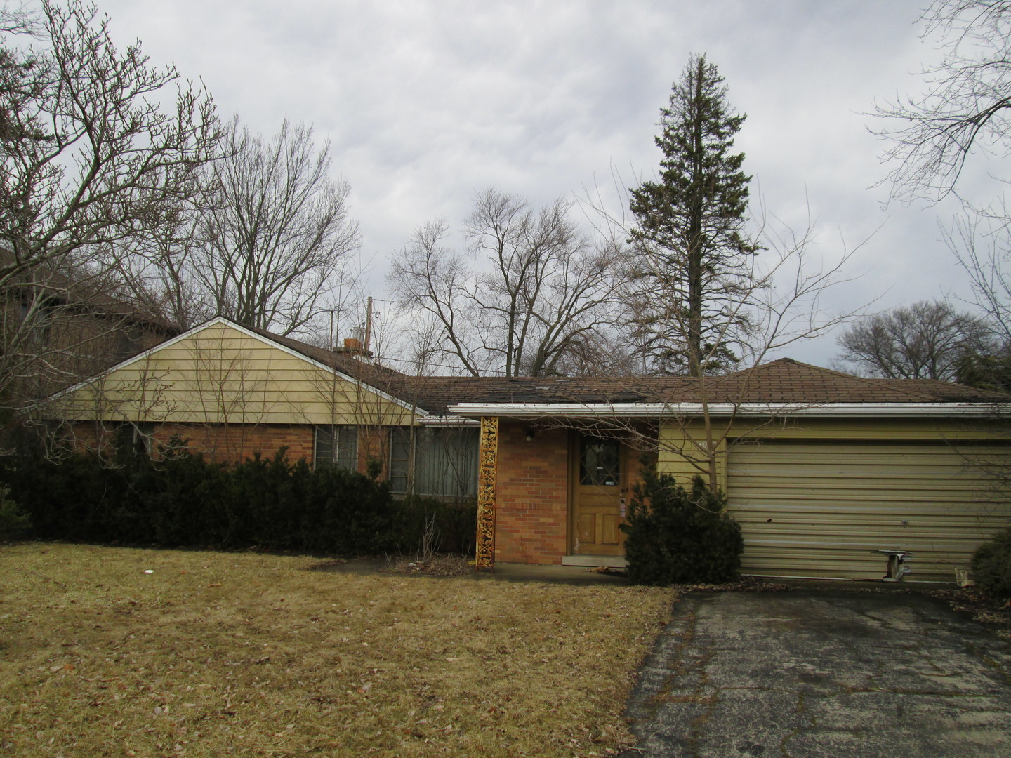 2092 DE COOK Avenue, one of homes for sale in Park Ridge