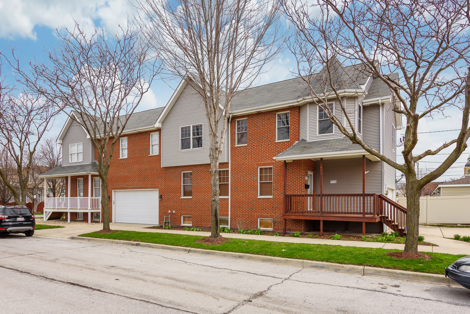 835 West 37th Street Chicago, IL 60609