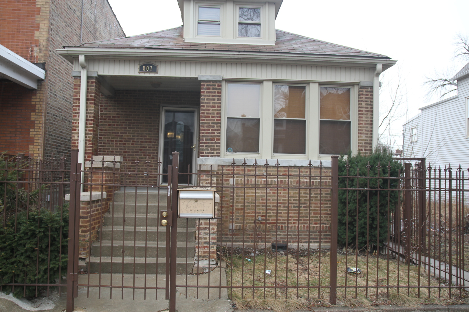 807 South Keeler Avenue Chicago, IL 60624