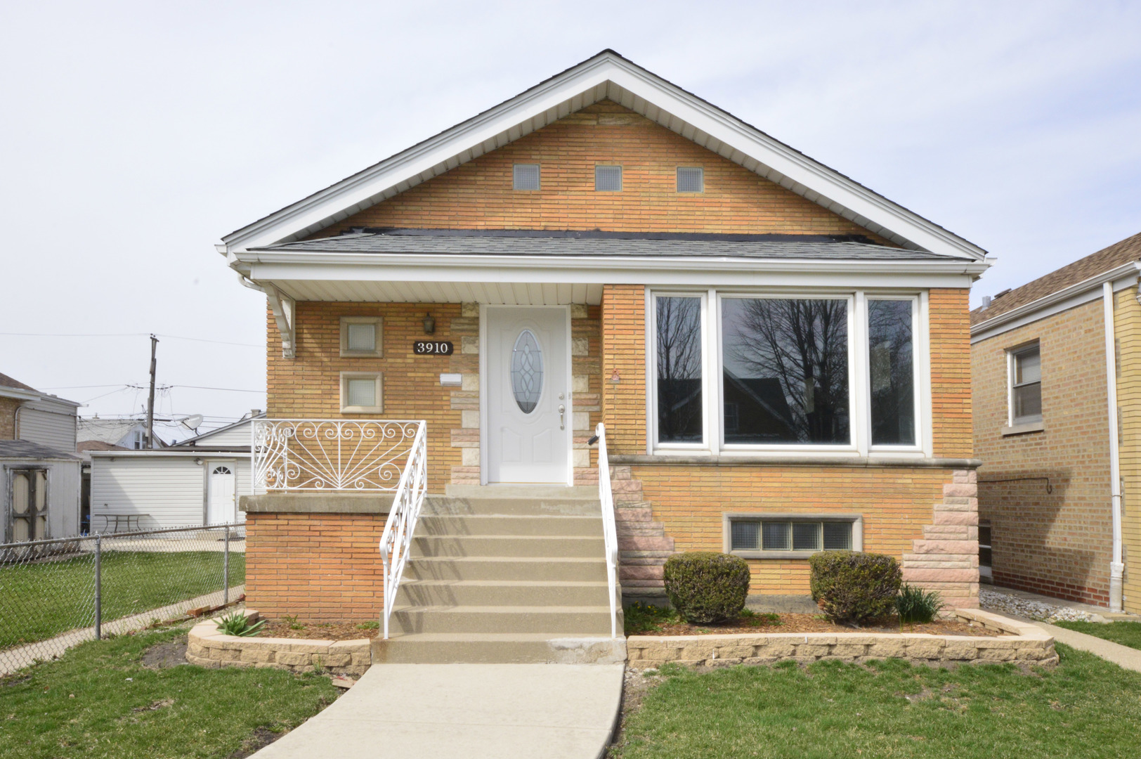 3910 West 65th Place Chicago, IL 60629