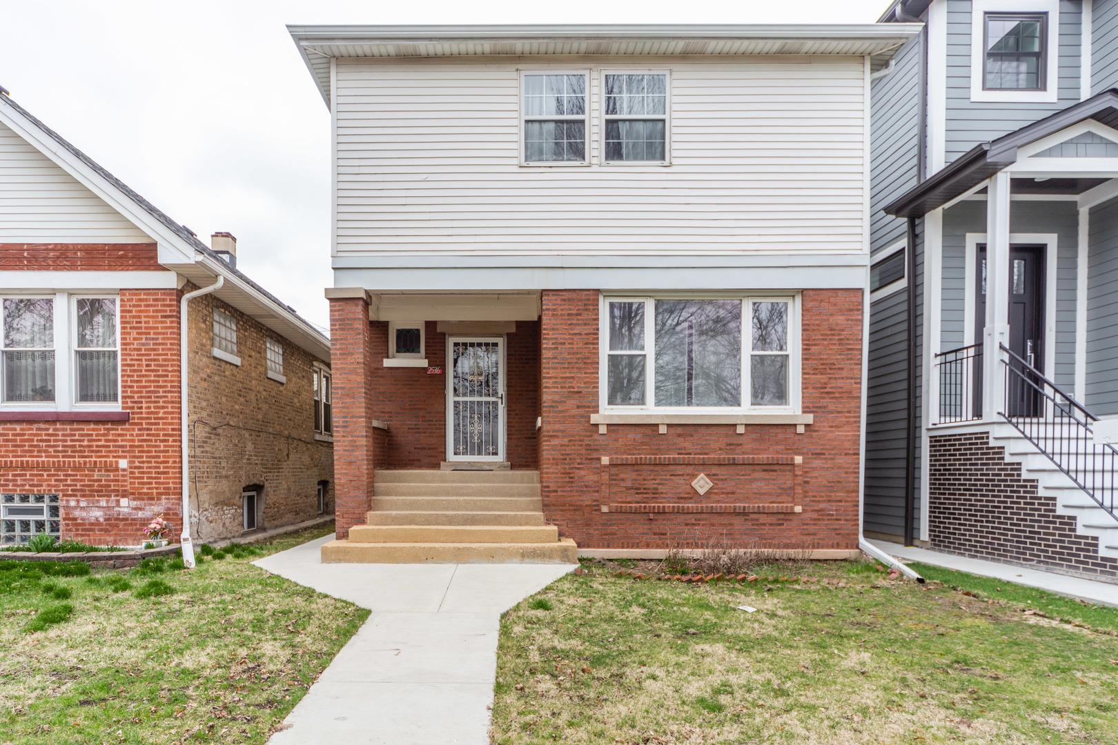 2536 West Berteau Avenue Chicago, IL 60618