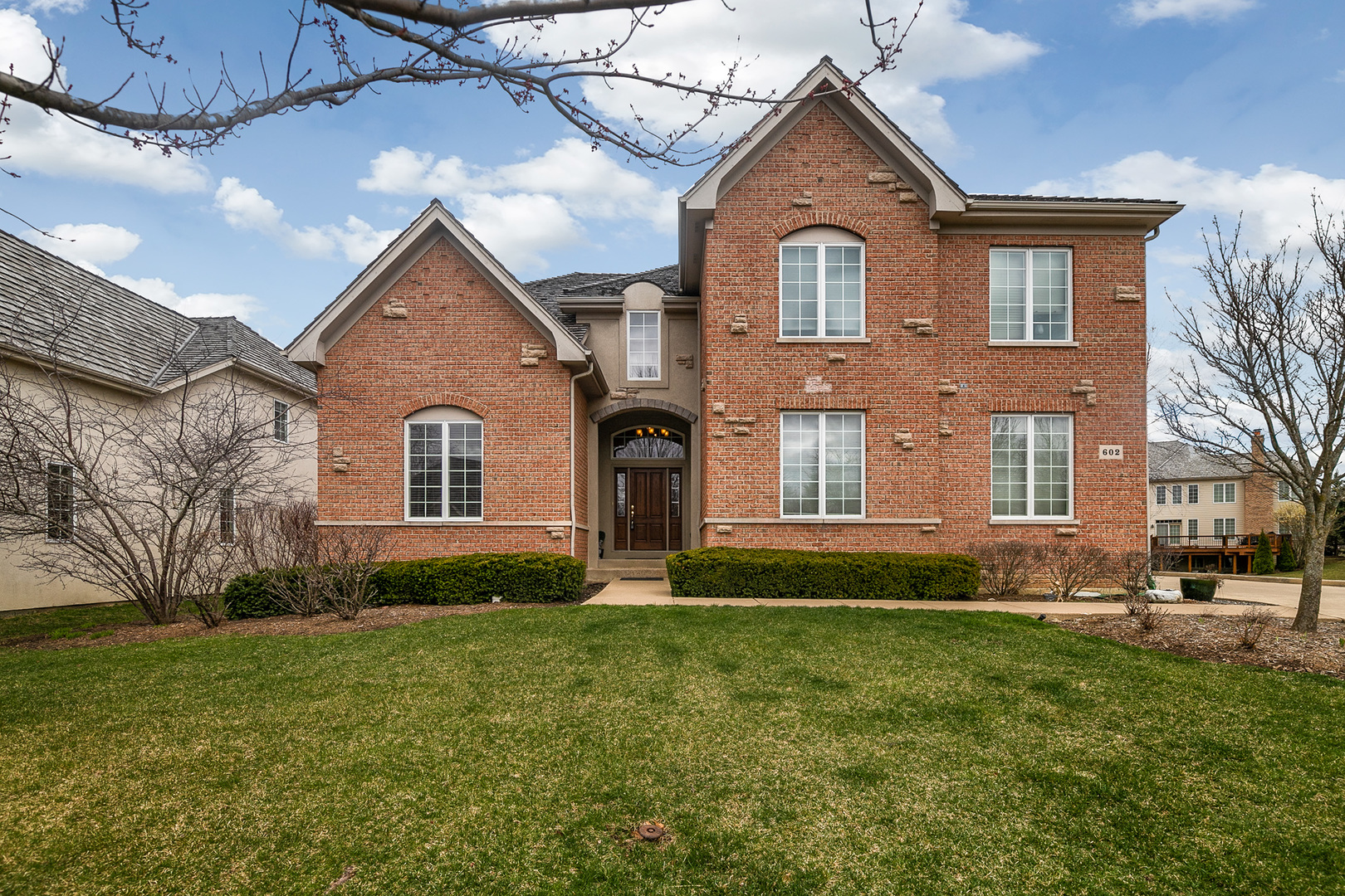 602 Sutherland Court Inverness, IL 60010
