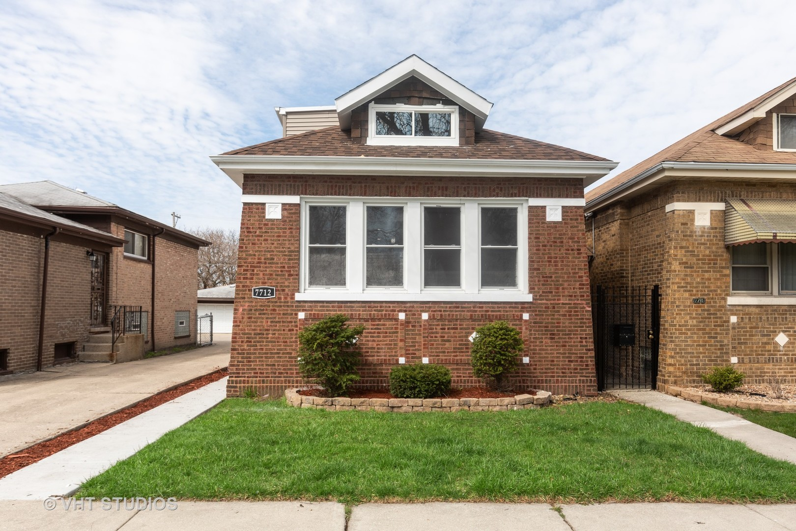 7712 South Prairie Avenue Chicago, IL 60619