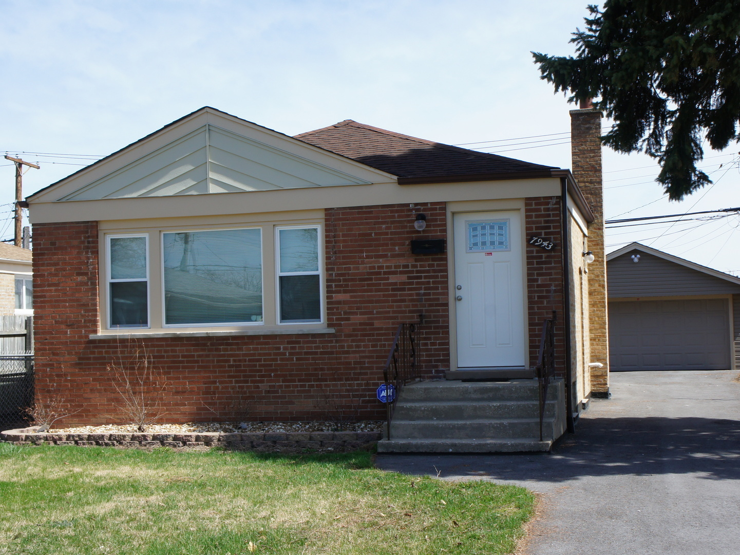 7943 South Tripp Avenue Chicago, IL 60652
