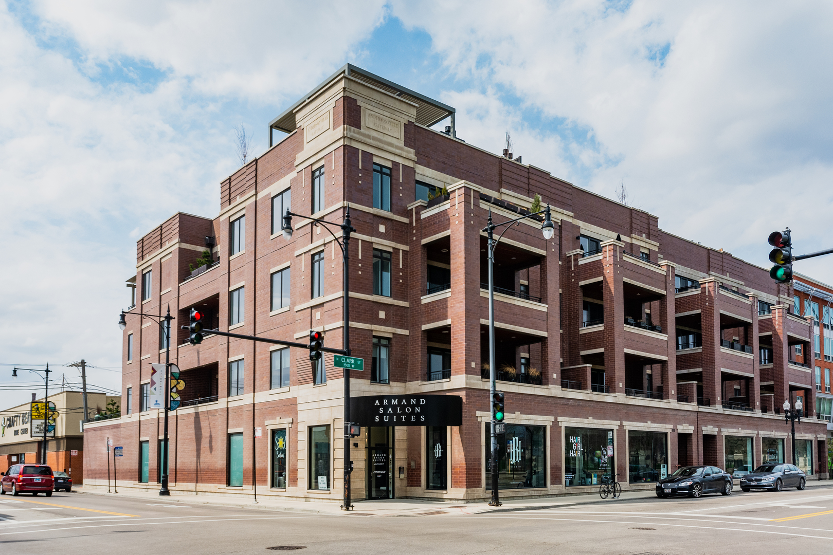4806 North Clark Street Chicago, IL 60640
