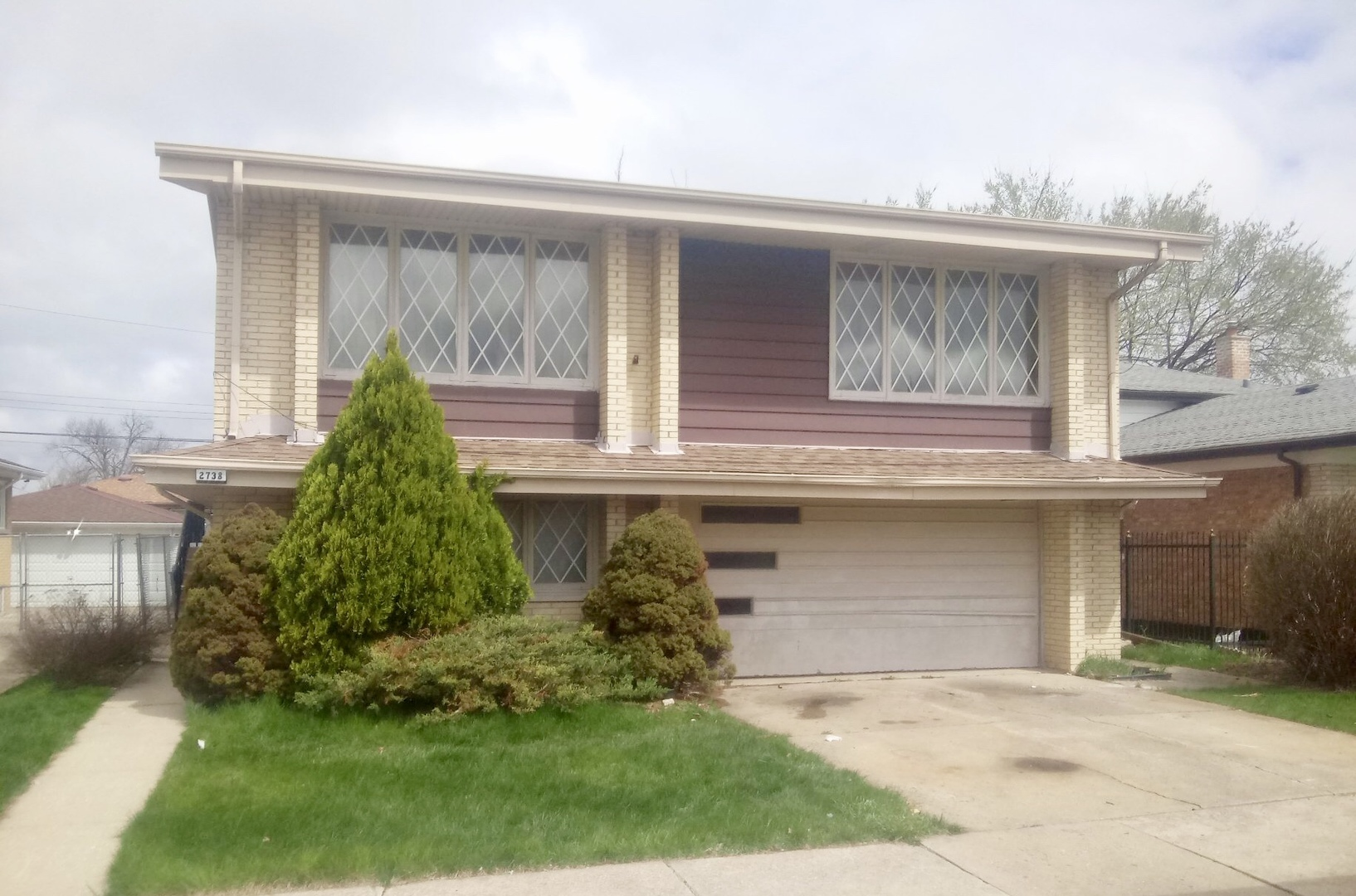 2738 West 85th Street Chicago, IL 60652