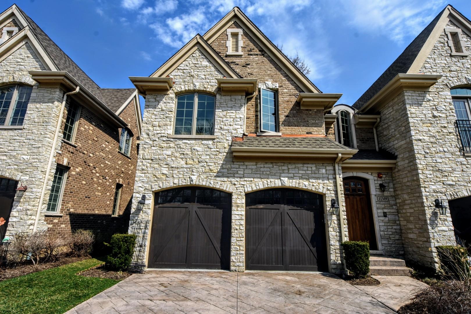1249 Caroline Court Vernon Hills, IL 60061