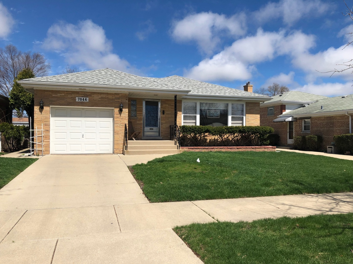 New Listings property for sale at 7044 West Kedzie Street, Niles Illinois 60714