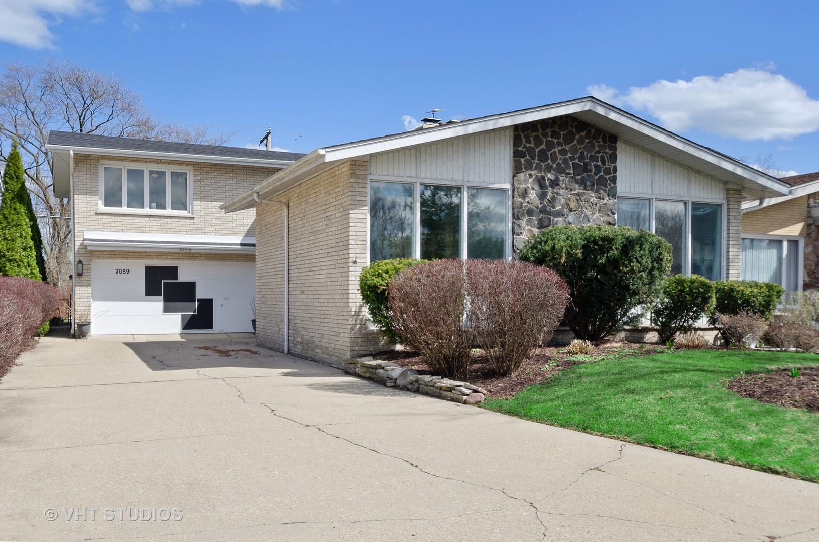 7059 East Prairie Road Lincolnwood, IL 60712