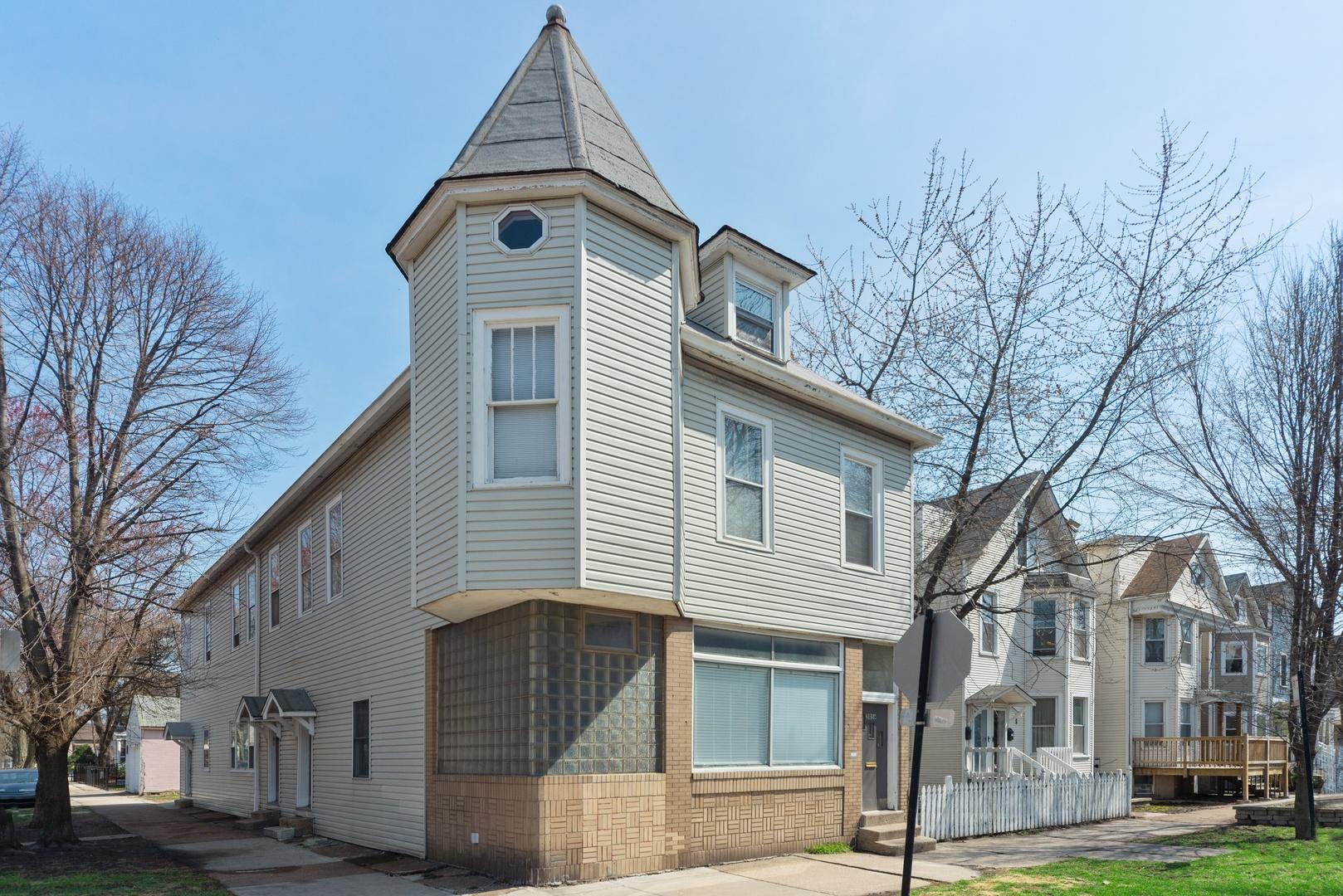 3059 North Leavitt Street Chicago, IL 60618